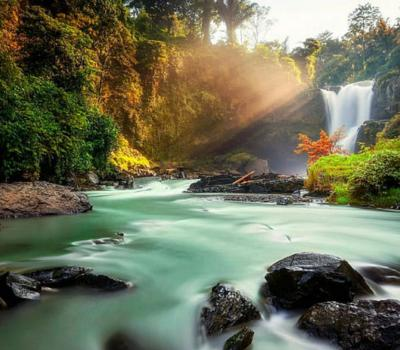 Bali Taxi Service to Tegenungan Waterfall from Ubud