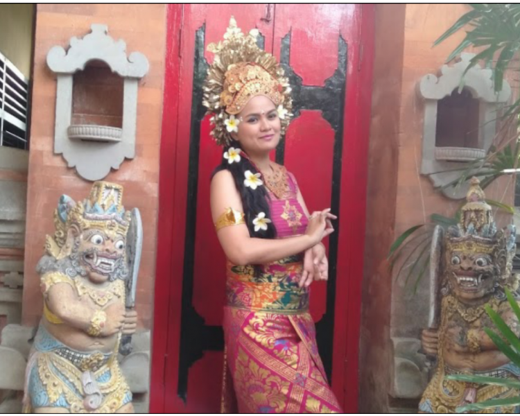 Bali Traditional Costume Photo Experience