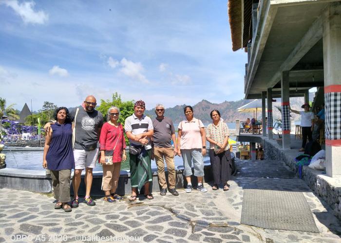 Sewa mobil di Bali dengan sopir yang berpengalaman dan bbm