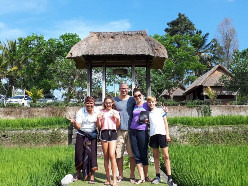 Bali hire car guide driver